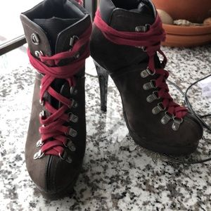 Stilleto red-laced boots